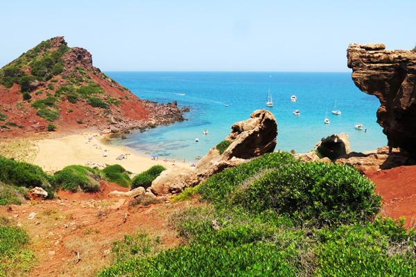 Playas norte menorca mejores calas menorca arena roja for Aberturas del norte pilar direccion